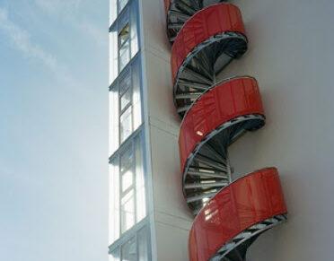 Dairesel Spiral Yangın Merdiveni